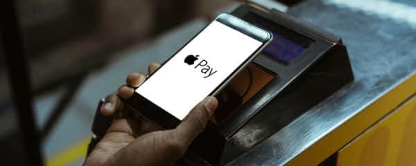 Zahlen per Sticker – so funktioniert das neue Apple Pay